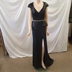 Dlouhé flitrové šaty